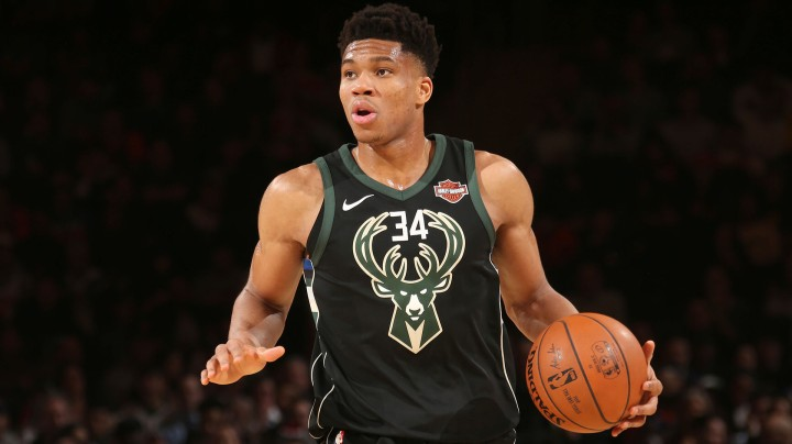 Milwaukee Bucks v New York Knicks